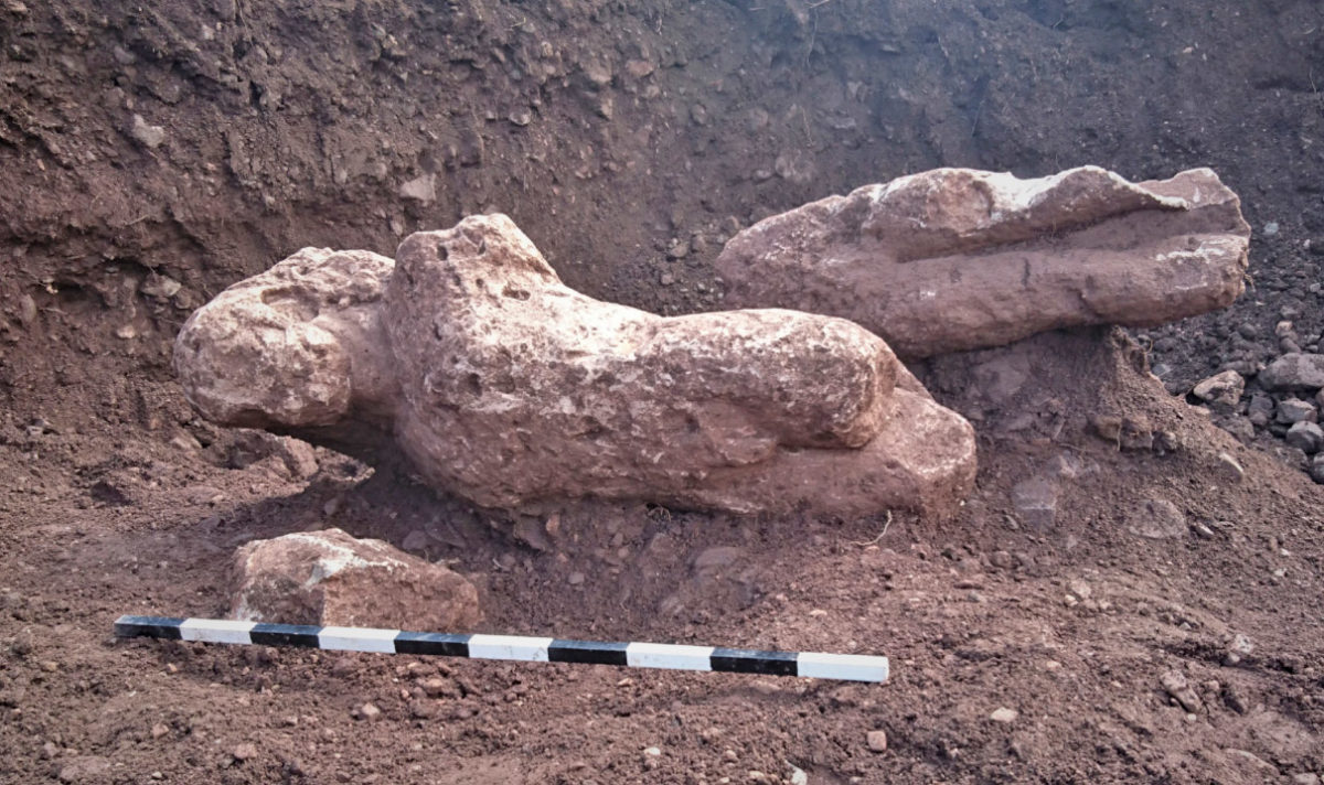 Limestone life size archaic statue (photo: Ephorate of Antiquities of Phthiotis and Eurytania).