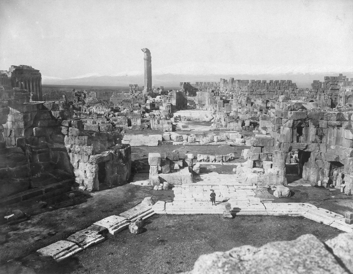 Overview of Baalbek in the late 19th century.