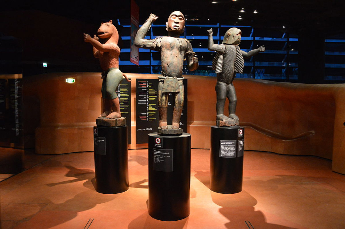 Statues of kings from Benin. Musée du Quai Branly (photo: Wikipedia).