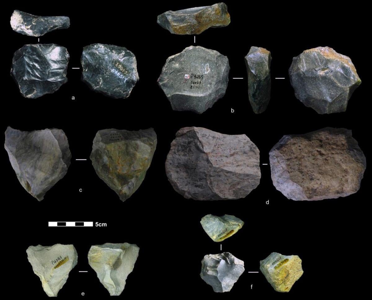 These artefacts found in China are among the nearly four dozen that reflect the Levallois technique of toolmaking. In a paper published Nov. 19 in Nature, researchers date these artefacts to between 80,000 and 170,000 years ago. Credit: Marwick et al.