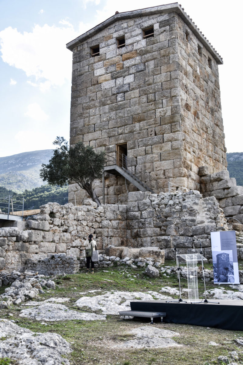The southeast tower of the fortress of Aigosthena (photo: Ephorate of Antiquities of West Attica).