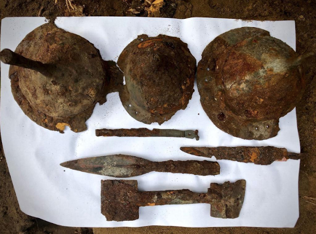 Weapons including a ritually bent metal sword, spear heads and shield bosses were found in the graves. Credit: Dariusz de Lorm/Stowarzyszenie Tempelburg