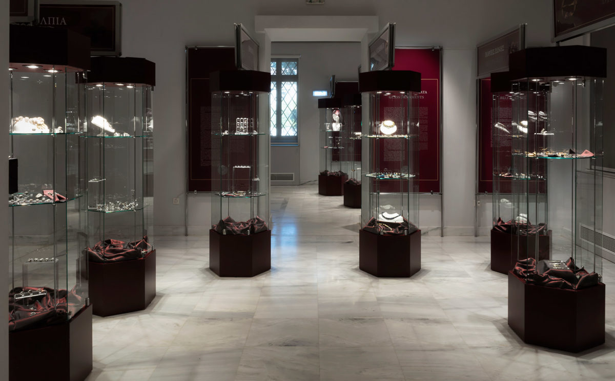 "View of the exhibition ""Treasures of the Middle Ages from the State Archaeological Museum in Warsaw"". Photo: Nikos Mylonas."