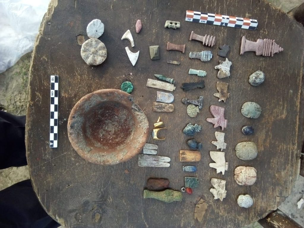Finds at the 'Tal El-Deir' site.
