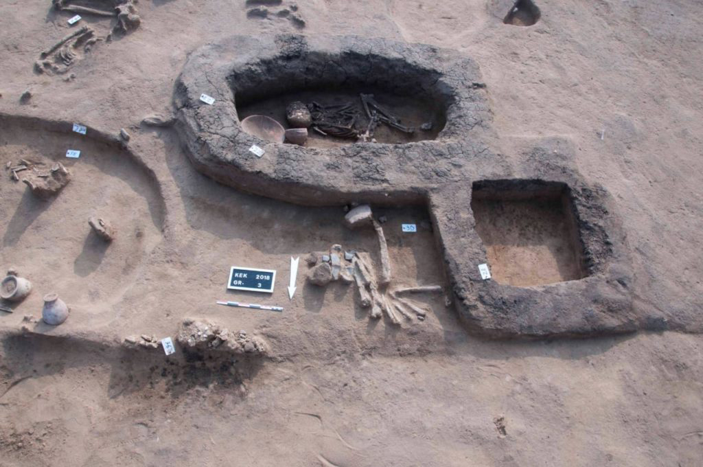 The tombs also include animal remains and some broken pieces of Tel el-Yahudieh black pottery, which is distinctive of the Second Intermediate Period.