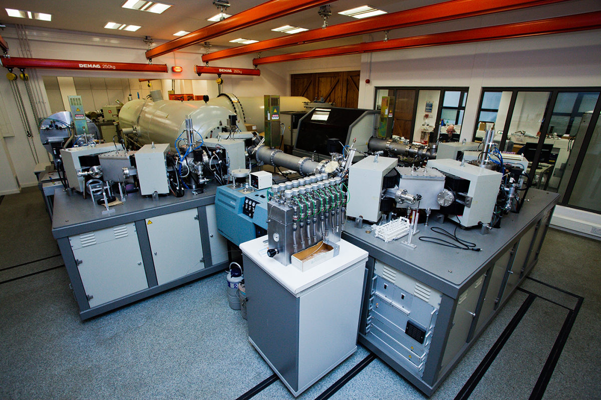 Accelerator mass spectrometer at the Oxford Radiocarbon Accelerator Unit, University of Oxford, where the samples were dated (photo courtesy Oxford University Press Office).