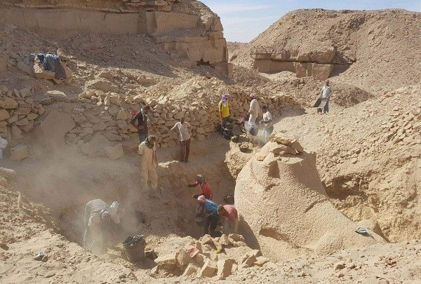 The Swedish-Egyptian mission led by Dr. Maria Nilsson and John Ward from Lund University, has discovered a New Kingdom sandstone workshop and several sculptures during excavations carried out at Gebel el-Silsila archaeological site in Aswan. Credit: Luxor Times