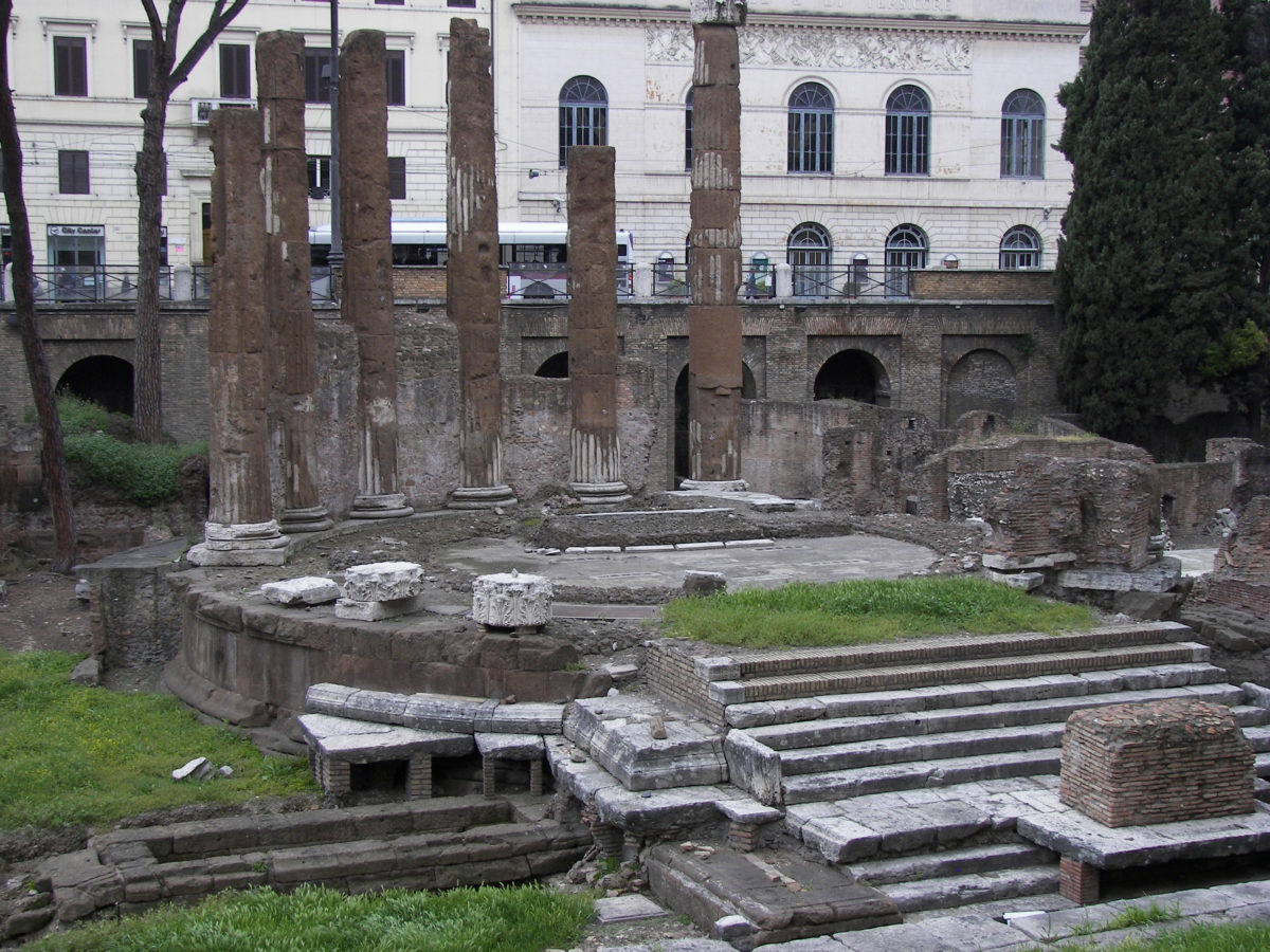 Ruins of a Roman temple at the archaeological site (photo: Wikipedia).