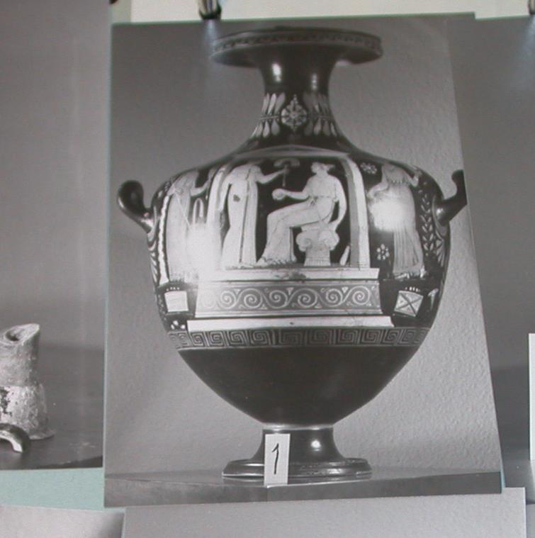 Fig. 3. The Greek hydria from the Becchina archive. Photo credit: Christos Tsirogiannis.