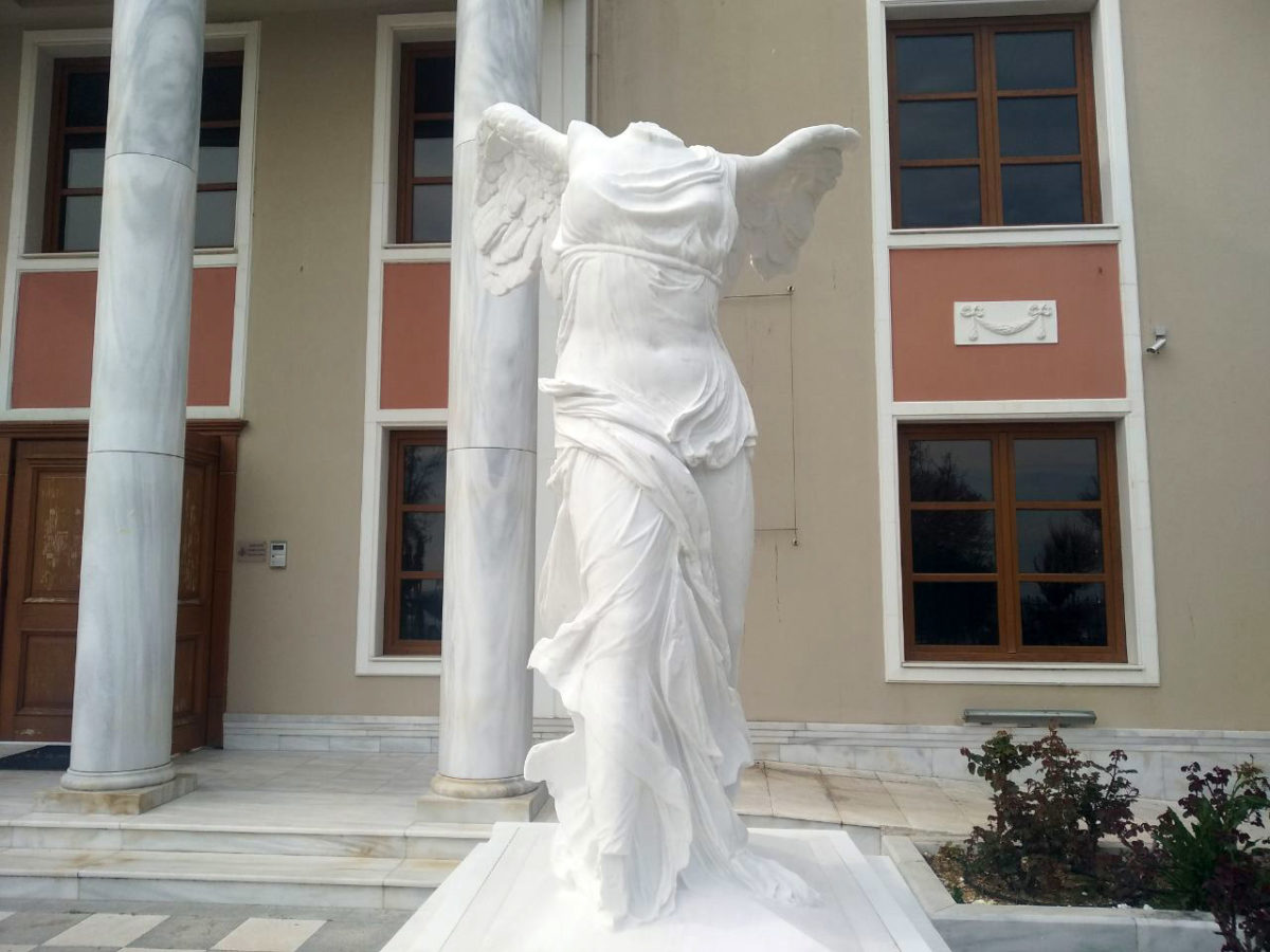 The replica of the Nike of Samothrace (photo: Athens and Macedonian News Agency)
