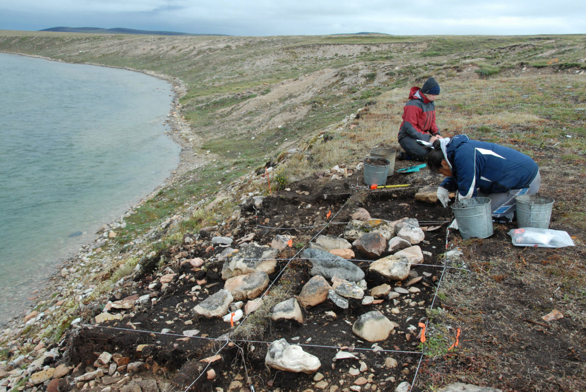 The excavation of the Middle Dorset individual from the Buchanan site on southeastern Victoria Island, Nunavut, Central Canadian Arctic. Credit: T. Max Friesen