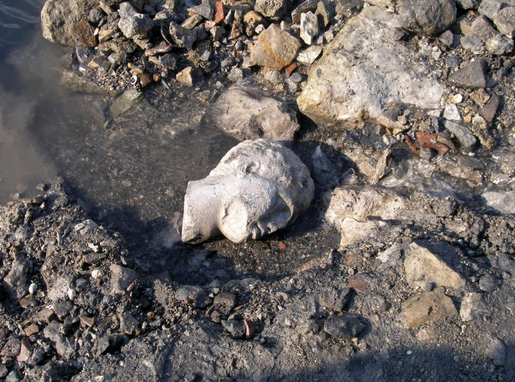 Salamis, Ampelakia Bay. Head of marble statue, found in the main archaeological layer near the public building. © C. Marabea.