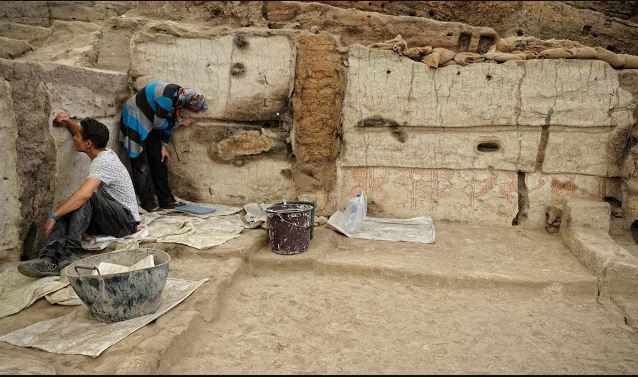 House at Çatalhöyük undergoing excavation.  Image Credit: Scott Haddow