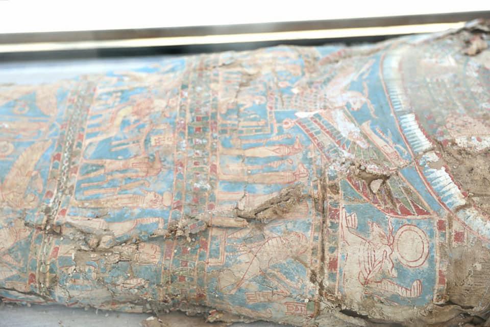 Decorated coffin found at Al-Lahun.