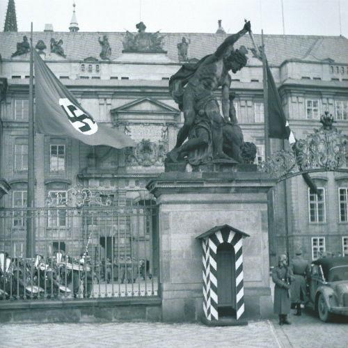 Prague Castle during the visit of Heinrich Himmler in 1941 (after Uhlíř & Klimek 2008: 143). Image Credit: Institute of Archaeology of the CAS.