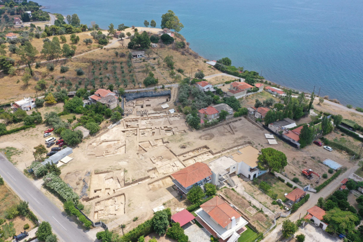 Aerial photograph of the excavation site at Palaiochoria, Amarynthos (photo: Ministry of Culture and Sports)