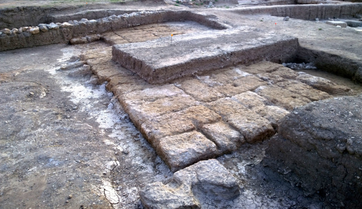 The monumental foundations that most probably can be identified as the sanctuary alter (photo: Ministry of Culture and Sports)