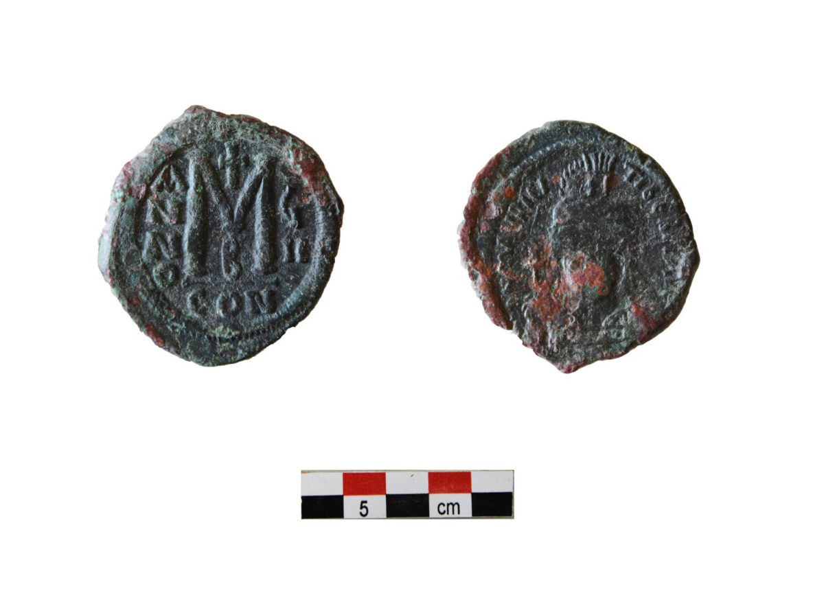 Bronze follis coin of Maurice Tiberius (582-602) from Area IB of Building 2(end of 6th c) (photo: MOCAS)