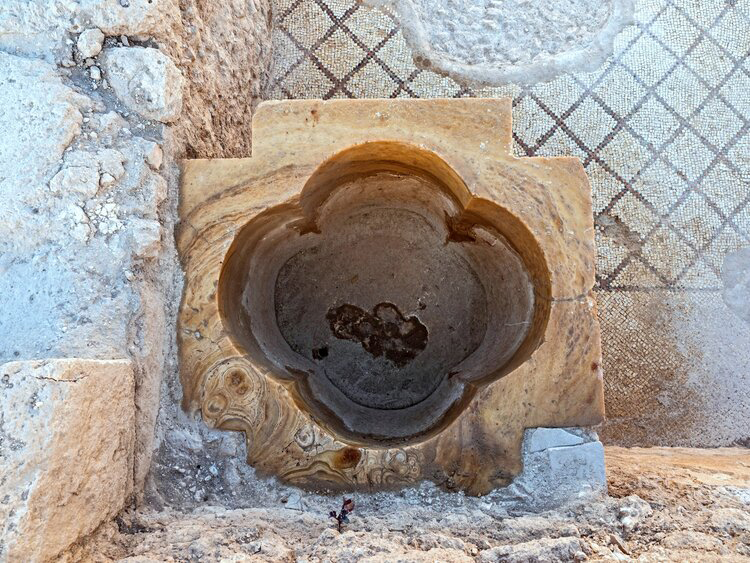 Cross-shaped baptismal. Photo: Courtesy of the Israel Antiquities Authority.