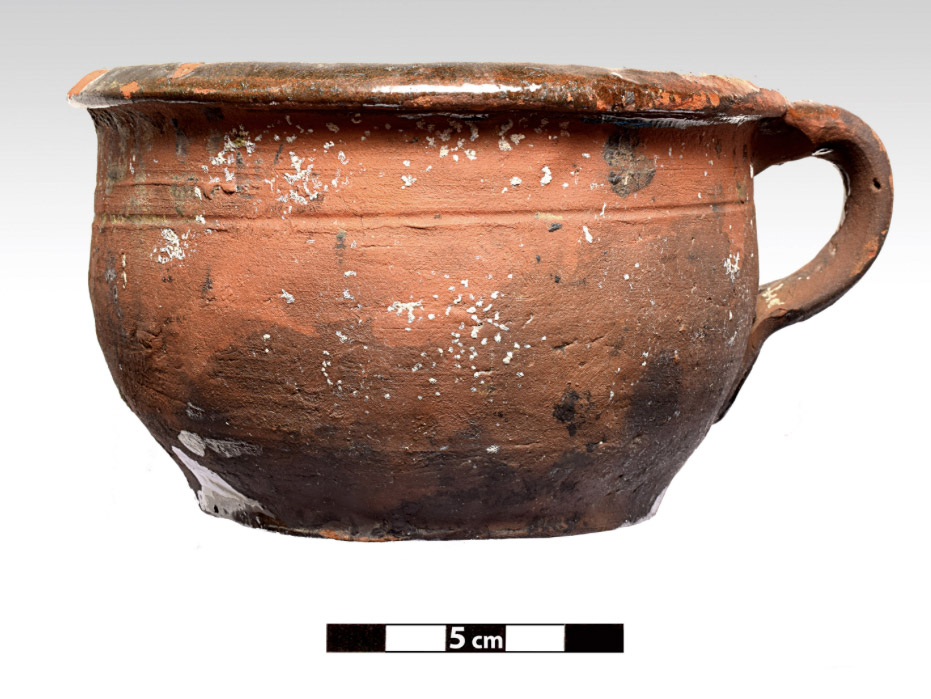 Fig. 5. Complete cooking utensil after its recovery (photo: P. Vezyrtzis)