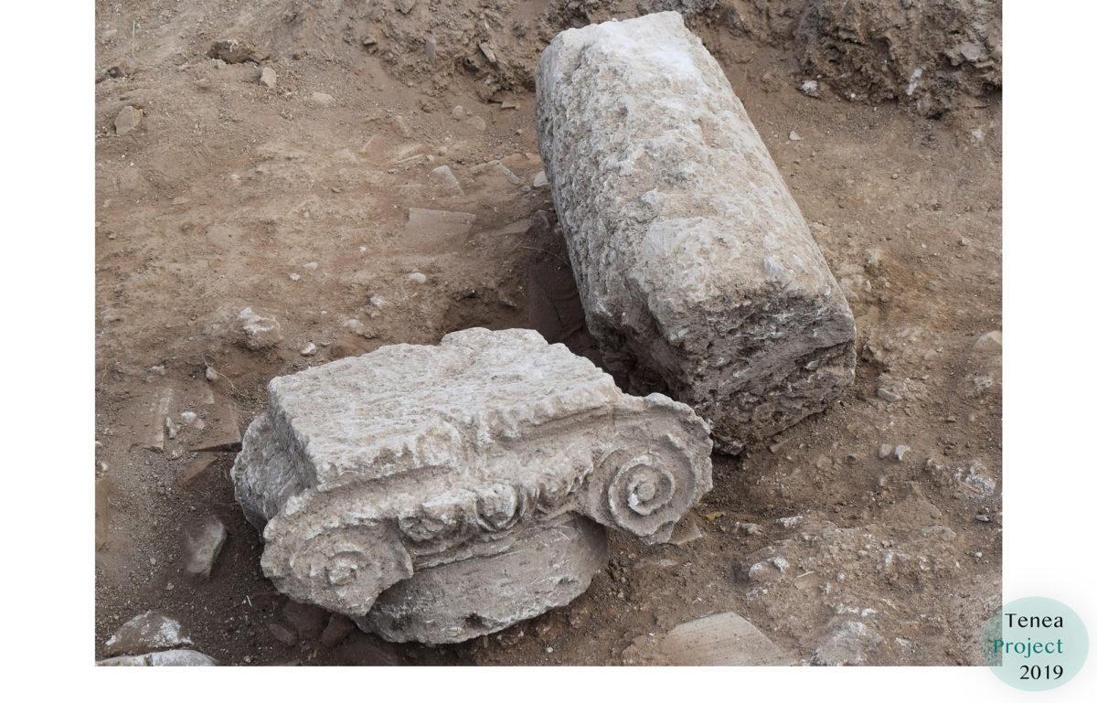 Ionian column capital and column inside the baths (photo: MOCAS).