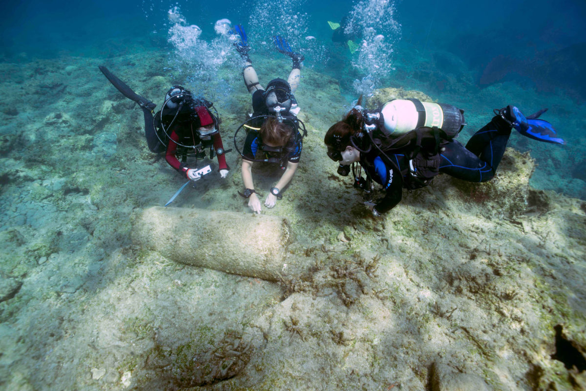 In the middle of the wreck lies an Aswan granite column also believed to belong to the vessel.