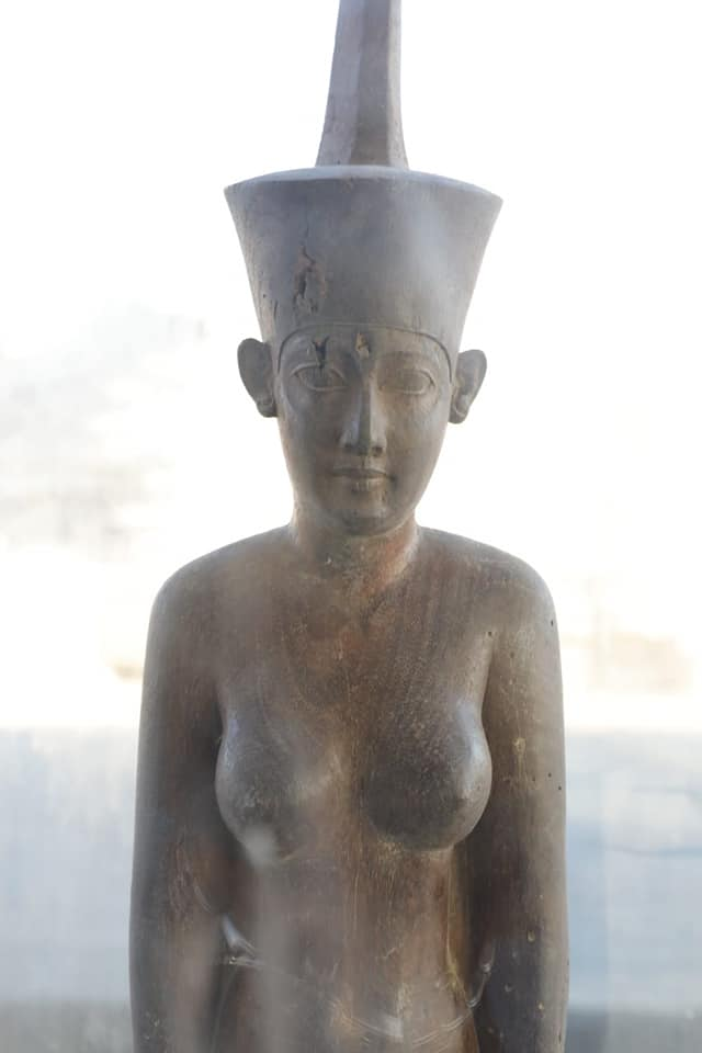 Wooden statue of Neith.
