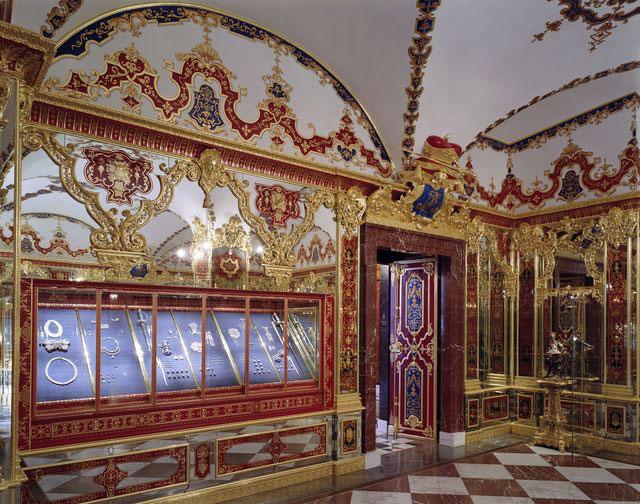 The Grünes Gewölbe museum hosts one of the most important collections of treasures in Europe (© Grünes Gewölbe, Staatliche Kunstsammlungen Dresden, photo: David Brandt).
