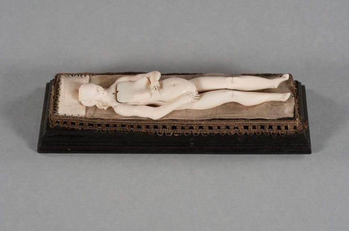 This is an ivory figurine reclining on its 'bed' with all organs placed inside. Credit: Study author and RSNA