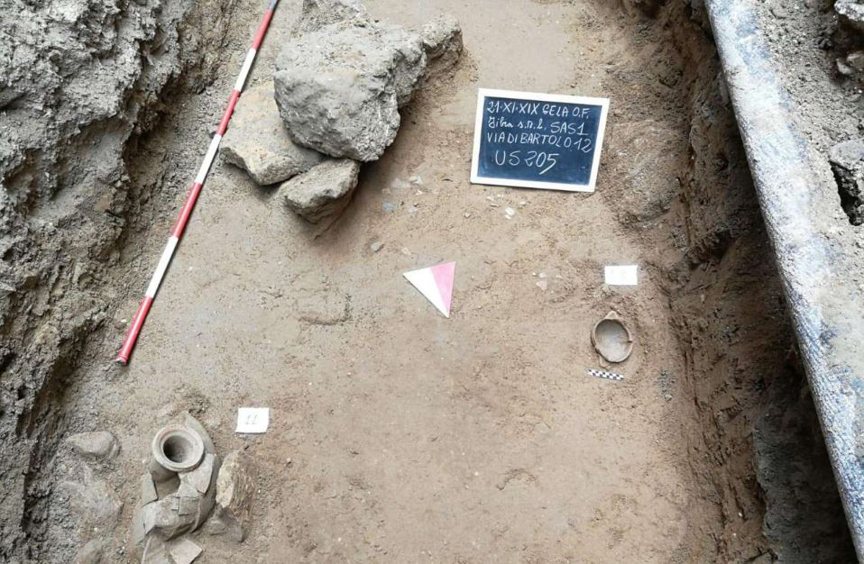 Detail of the excavations and finds of the necropolis found in Gela. Credit: Regione Siciliana