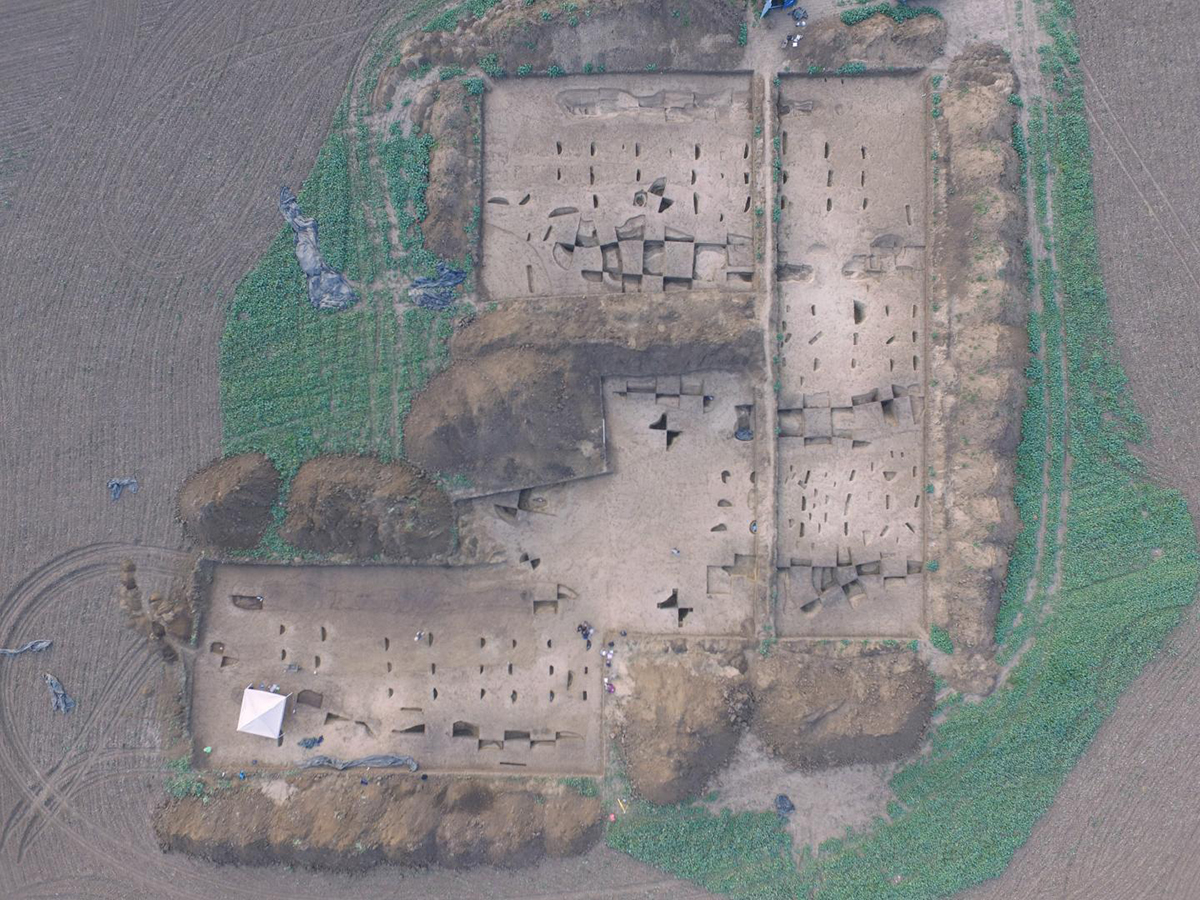 Aerial photo of the excavation area of an Early Neolithic settlement near Vráble in Slovakia. Credit: © Nils Müller-Scheeßel