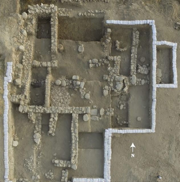 Aerial view of the newly found temple at Tel Lachish. Credit: Emil Eljem.