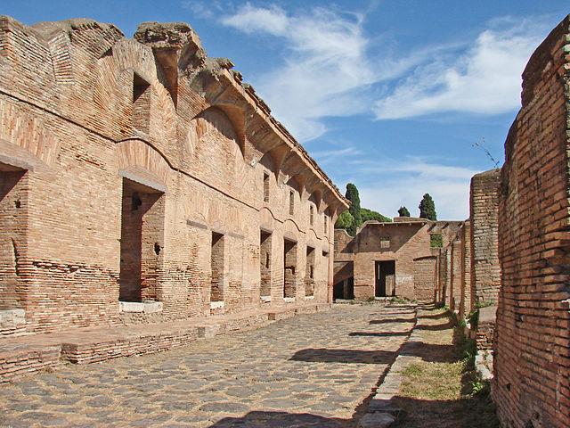 Insula of Diana, Ostia Antica (photo: Jean-Pierre Dalbéra, CC BY 2.0)