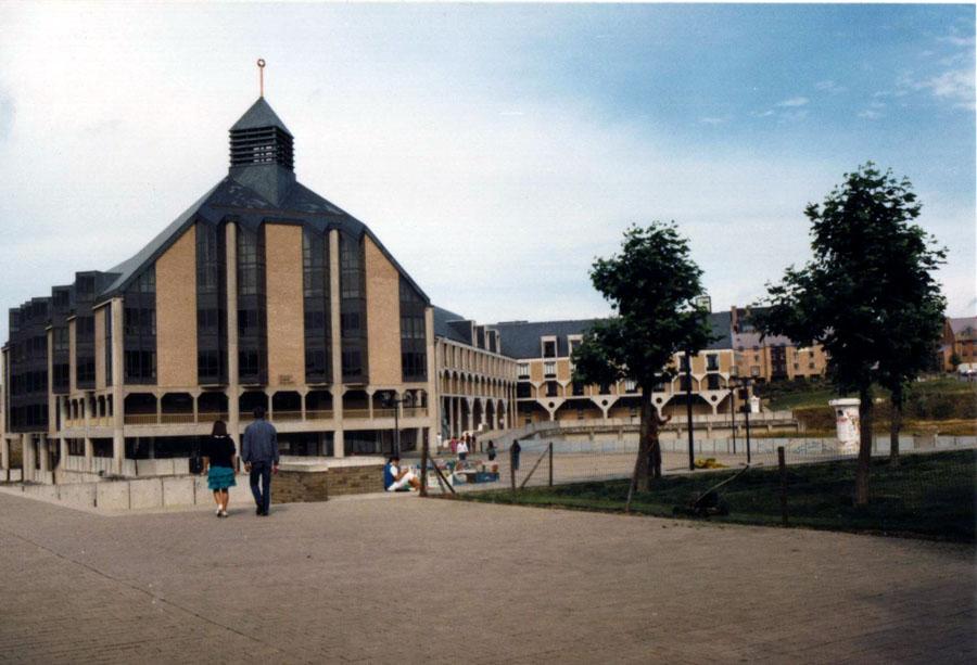L'Université catholique de Louvain-la-Neuve.