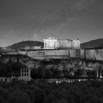 The sparkle of the Acropolis charmed the international news media