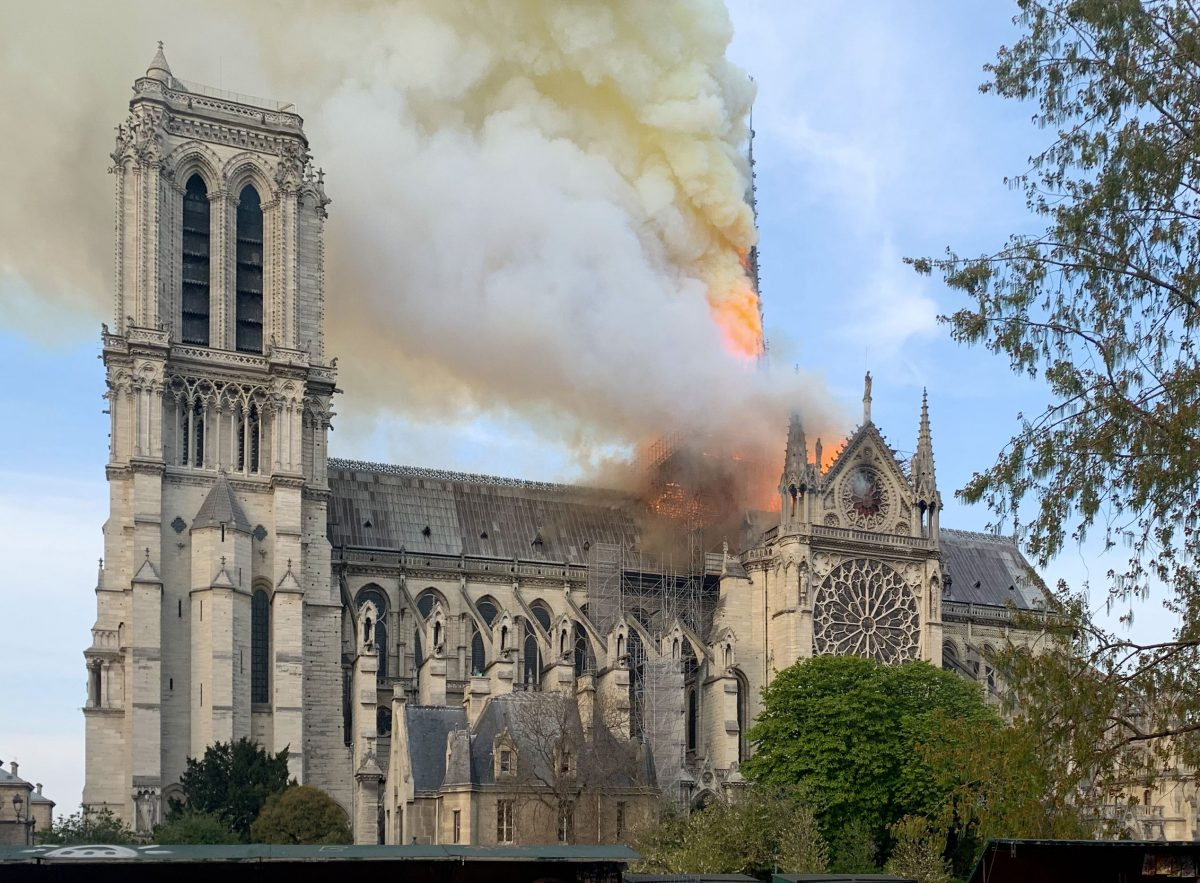 Notre Dame de Paris in flames (photo: Wikipedia).