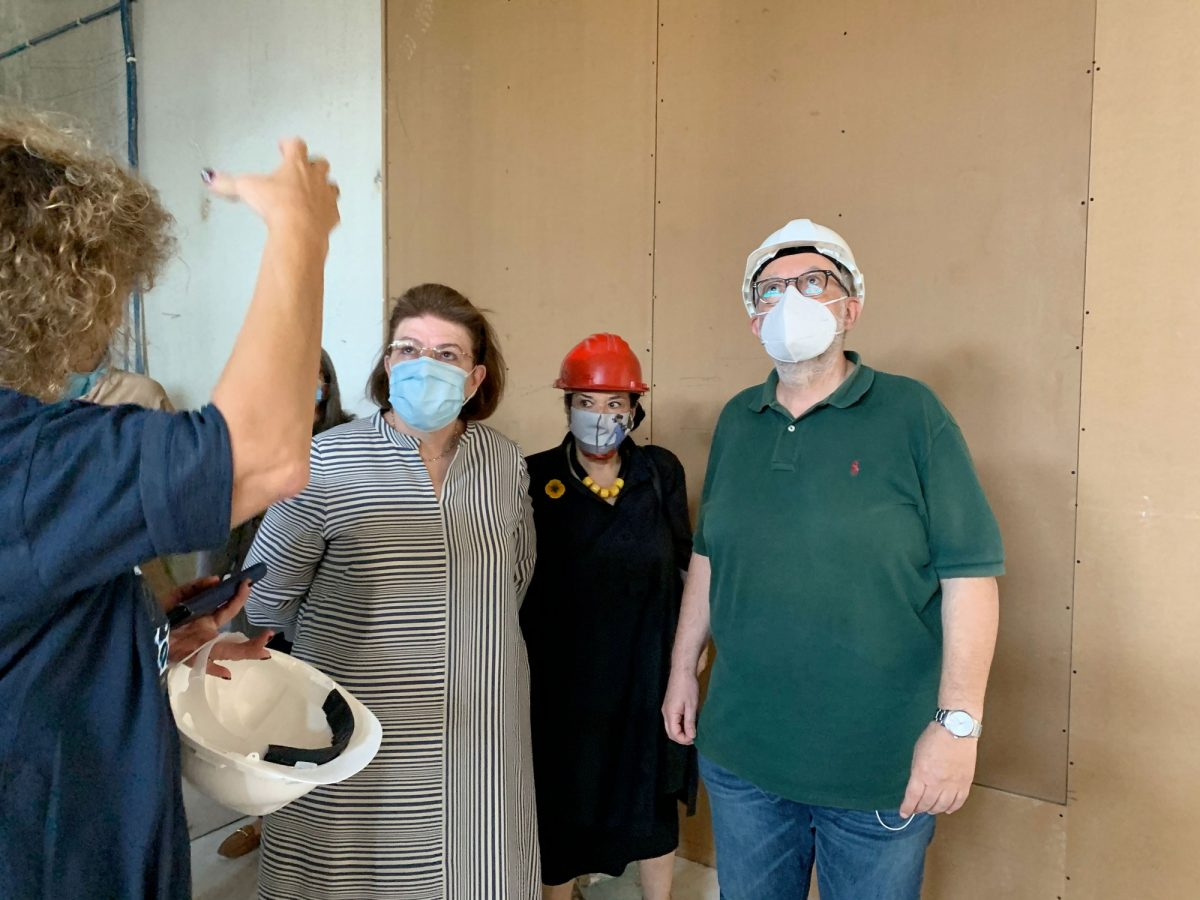 Snapshot of Minister of Culture and Sports Lina Mendoni monitoring the National Gallery construction site (photo: MOCAS).