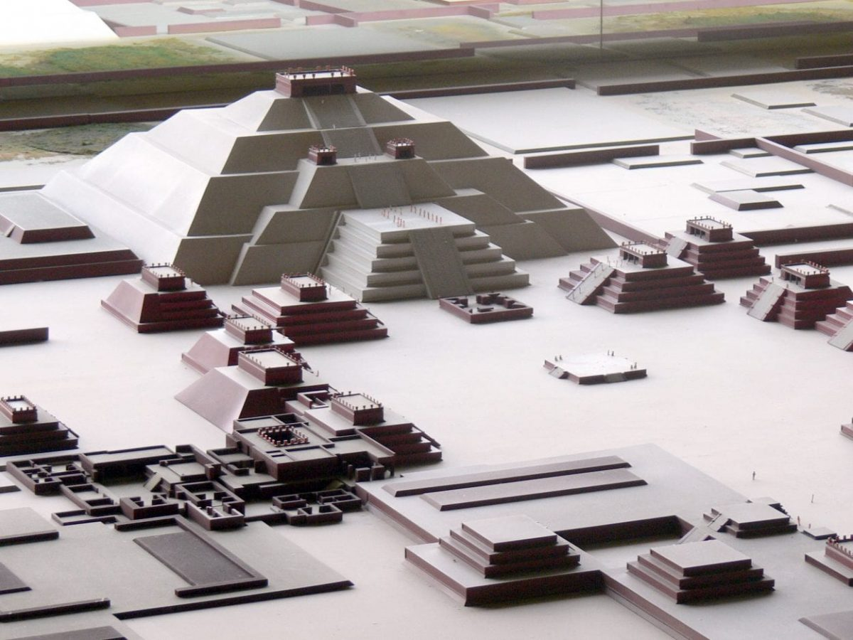 Model of the Pyramid of the Moon.