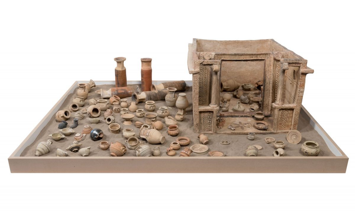 Model of a small house of Archidikas (mid-6th c. BC), Archaeological Museum of Thera (photo: MOCAS).