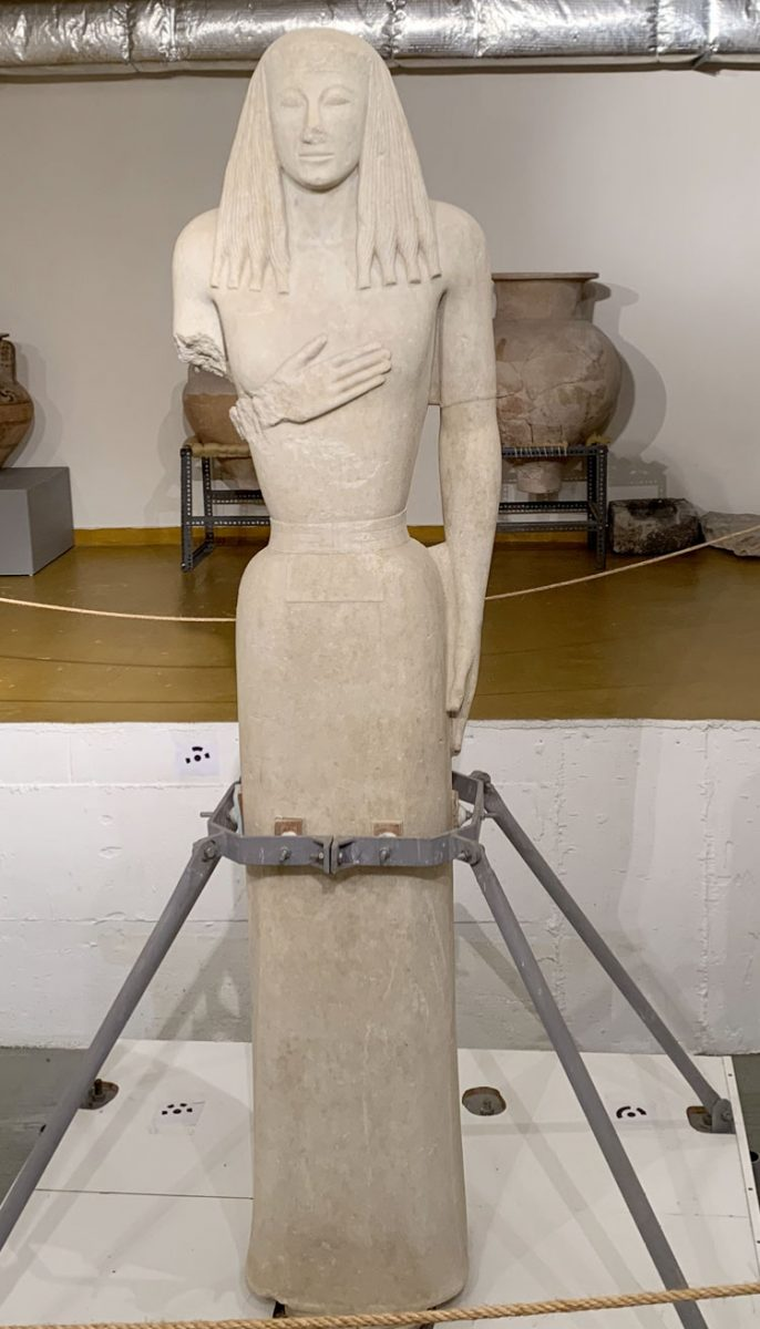 Detail of the Archaic Kore of Thera. Archaeological Museum of Thera (photo: MOCAS).