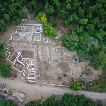 Destruction of Canaanite Palace at Tel Kabri due to ancient earthquake