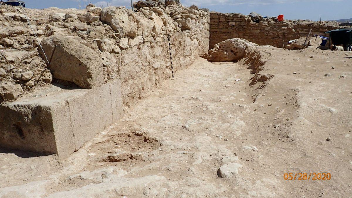 The outer face of the tower was dressed with rectangular ashlars also placed horizontally and carefully worked cornerstones. Credit: Department of Antiquities / Cyprus