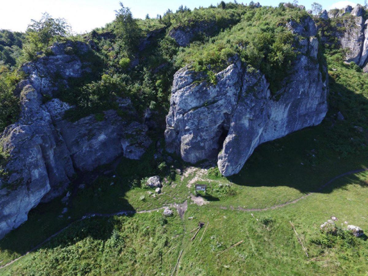 Aerial view of Stajnia Cave. © Marcin Żarski