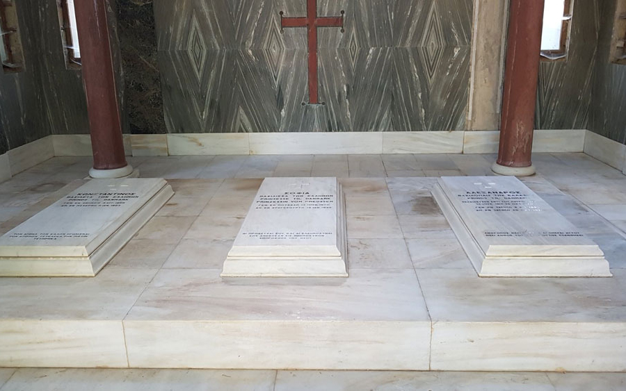 According to the conditions for approval set by the Conservation Study, the static adequacy of the crosses on all the burial monuments will be checked, so that the works can restore their appearance, but also  strengthen them, where required.