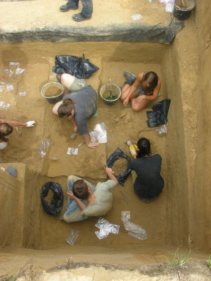 Ancient hunters stayed in frozen Northern Europe