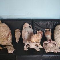 Arrest on Kalymnos for possession of ancient amphorae