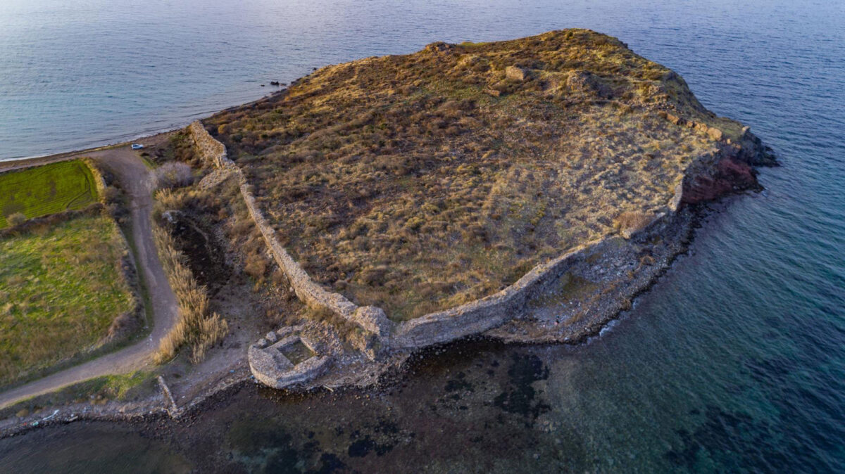 The Castle of Agioi Theodoroi (also called Ovriokastro today) is situated on the peninsula of ancient Antissa. (Image credit: Ephorate of Antiquities of Lesvos)