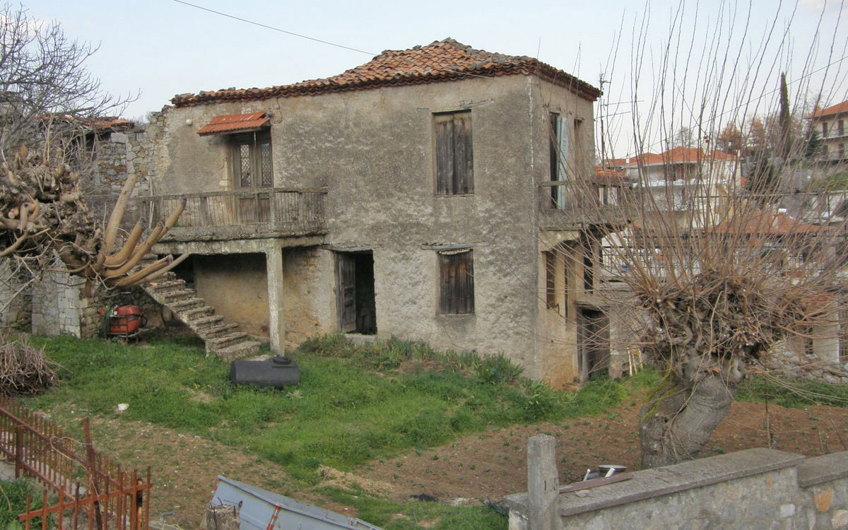 The house Nikos Gatsos was born is to be declared a monument