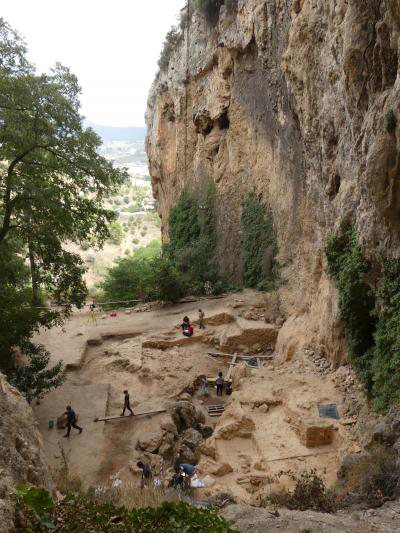 The research group analysed the ancient DNA extracted from 50,000 years old sedimentary faeces (the oldest sample of faecal material available to date). The samples were collected in El Salt (Spain), a site where many Neanderthals lived. Credit : University of Bologna