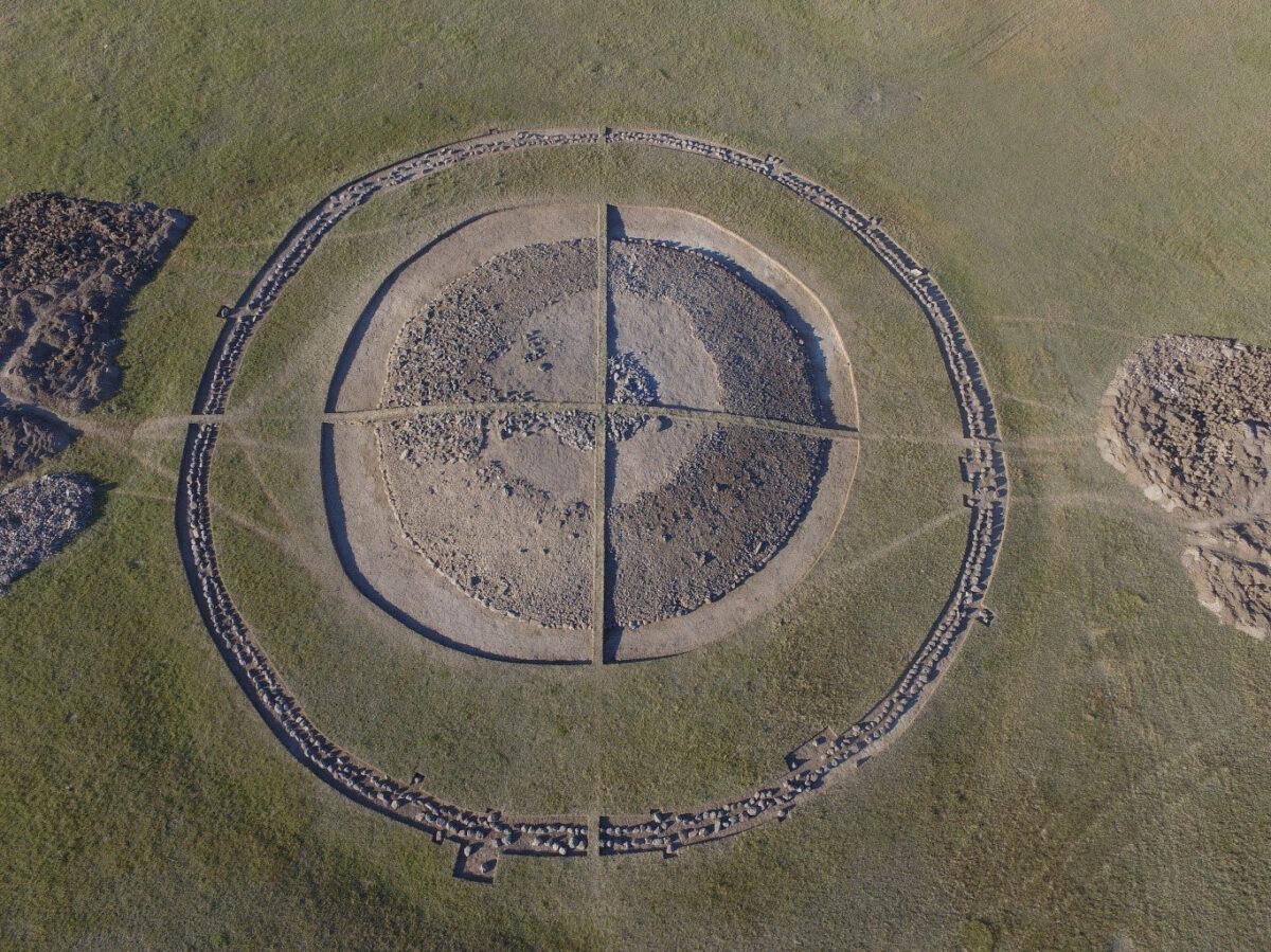 Mound 4 of the Eleke Sazy necropolis in eastern Kazakhstan © Zainolla Samashev